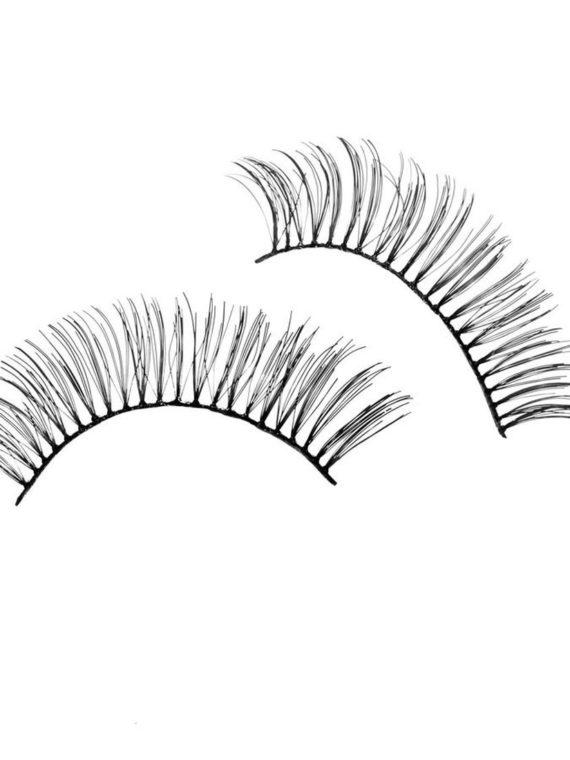 Dramatic eye lash